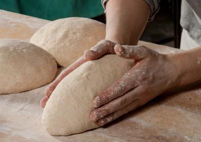 pipacs-pekseg-budapest-kezmuves-bio-felbarna-kenyer-24