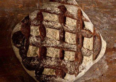 pipacs-pekseg-budapest-kezmuves-bio-felbarna-kenyer-pain-des-amis-8