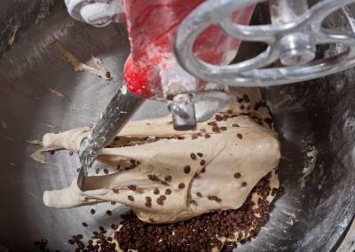 pipacs-pekseg-budapest-kezmuves-bio-mazsolas-kenyer-03