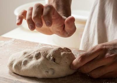 pipacs-pekseg-budapest-kezmuves-bio-mazsolas-kenyer-18