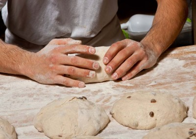 pipacs-pekseg-budapest-kezmuves-bio-mazsolas-kenyer-20